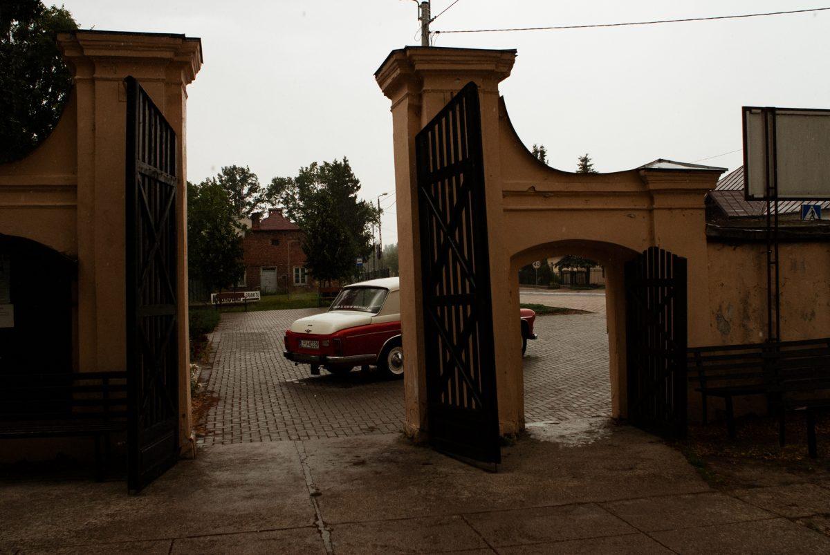 Deszcz podczas ślubu | Fotografia ślubna Puławy | Chill & Love | www.chillandlove.com